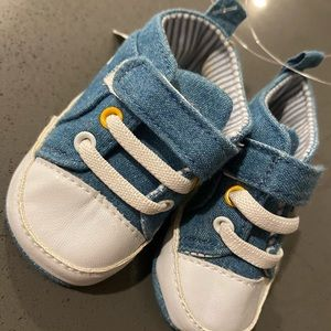 Baby Gap 0-3 months baby boy shoes